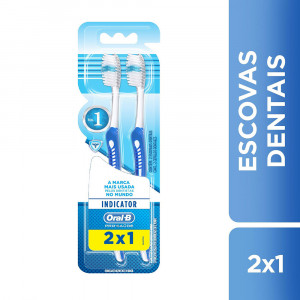 Kit c/2 Escovas Dentais Oral-B Indicator Plus Macia 30